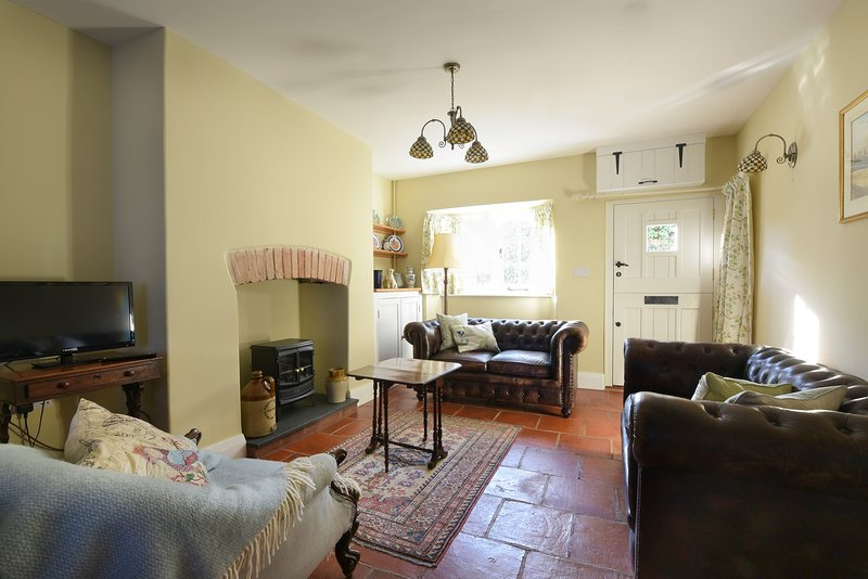 Recently restored, two bedroom, pet friendly cottage, ideal for exploring Exmoor, vacation rental in Luxborough