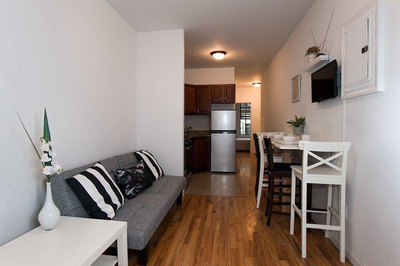 Midtown 2 full bedrooms, vakantiewoning in New York