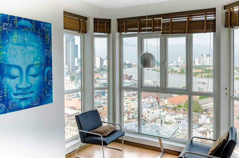 Riverside # 3 - Spacious . Best view & privacy. Central, Ferienwohnung in Ho-Chi-Minh-Stadt