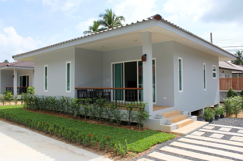Brand New Secluded 2 Bedroom House, location de vacances à Lamai Beach