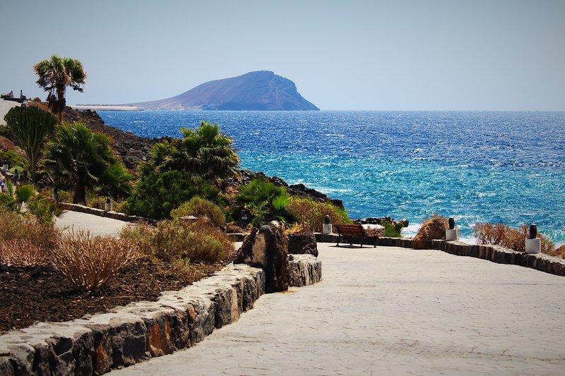 Der Küstenweg von der Villa zum Yachthafen