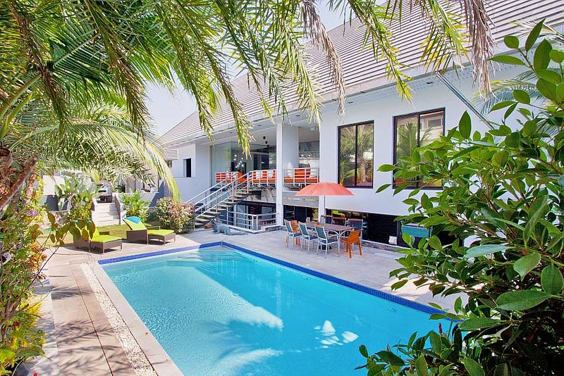 Royale Grand Villa | 4 Bed Pool House on Pratumnak Hill Pattaya, holiday rental in Pattaya