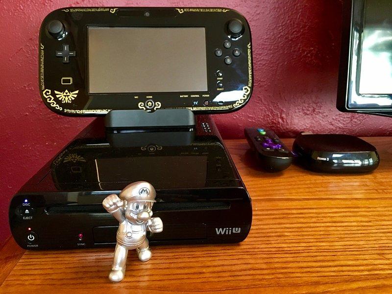 Sentitevi liberi di giocare la Nintendo WiiU (con 4 controller), o il Roku per tutte le esigenze di cottura a vapore.