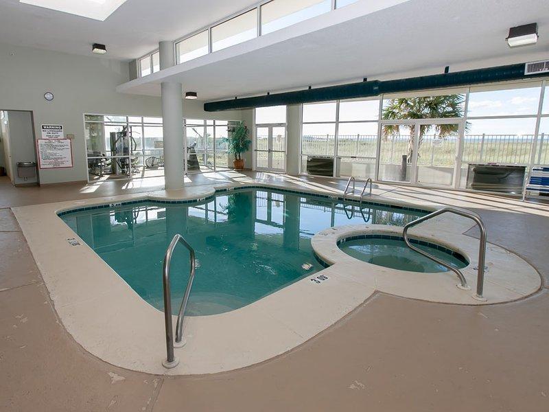 Balcony,Indoors,Room,Pool,Resort