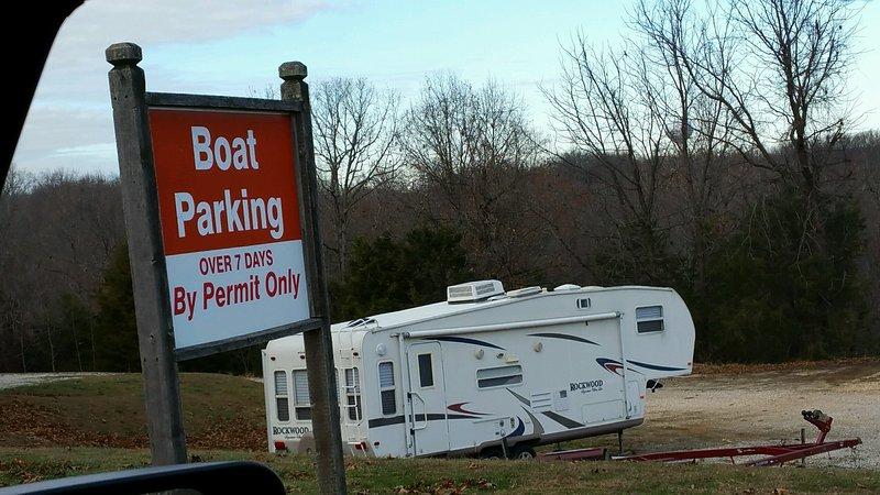 Boot / Anhänger Parkplatz, keine zusätzlichen Kosten für weniger als 7 Tage