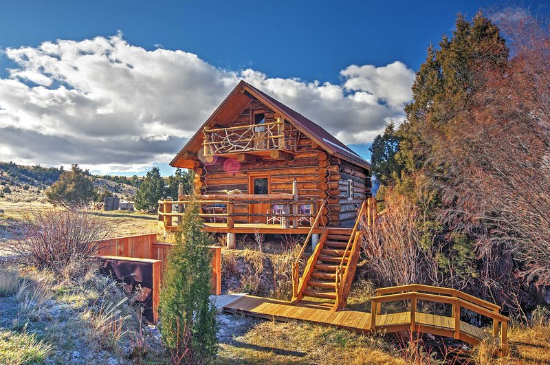 Nestled in the Gravelly Mountains, this home guarantees a memorable vacation!