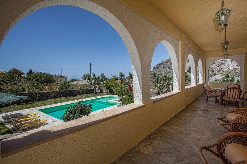 A villa close to a farm., holiday rental in Kerames