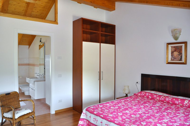 B&B Lemire - Suite Olivo, holiday rental in Carpesica