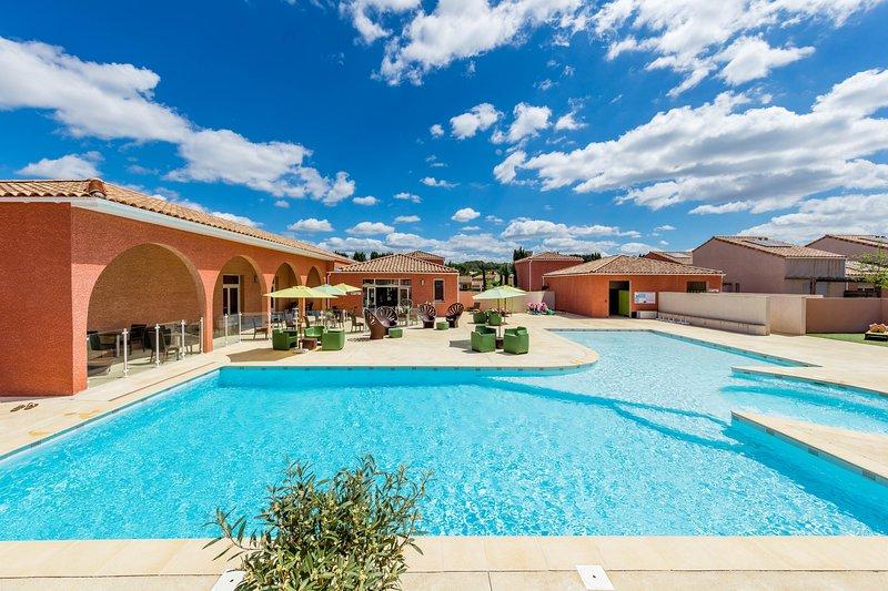 Villa 4 personnes dans résidence dans le Languedoc avec Piscine, casa vacanza a Restinclieres