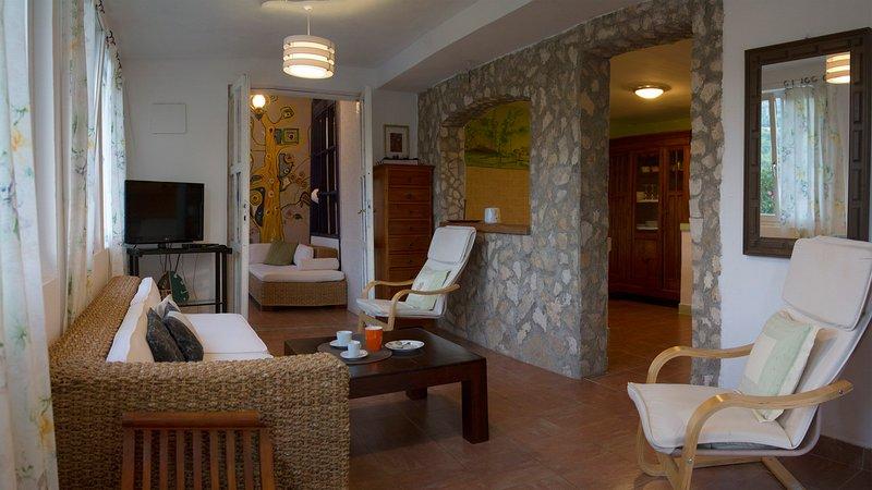Apartment SAFIRA, Estate under the Paintbrush, Rukavac, Vis Island, location de vacances à Island of Vis