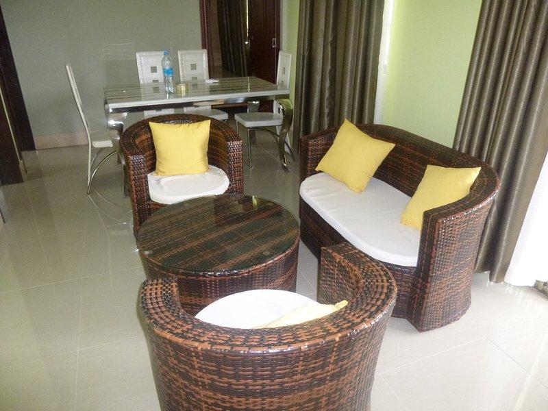 3 Bedroom Apartment RAM - 3 mins to beach