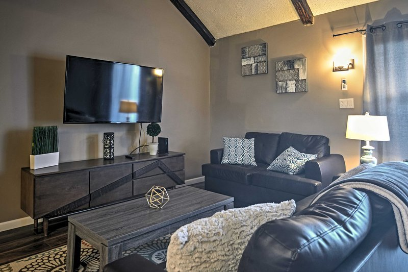 Feel at home in this Tannersville vacation rental townhouse