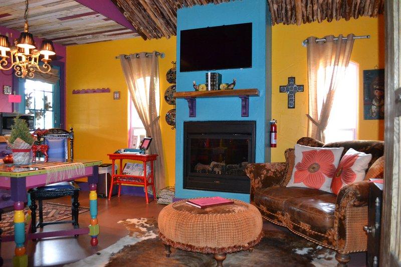 Wildchild's Casita and Gypsy Bower 2BR 2 Bath Bed and Breakfast, vacation rental in Fredericksburg