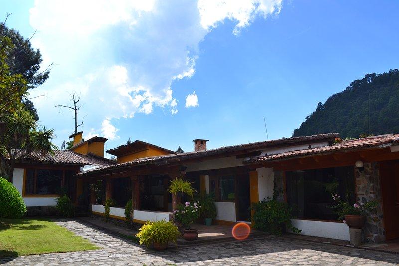 Casa en Valle de Bravo, location de vacances à Estado de Mexico