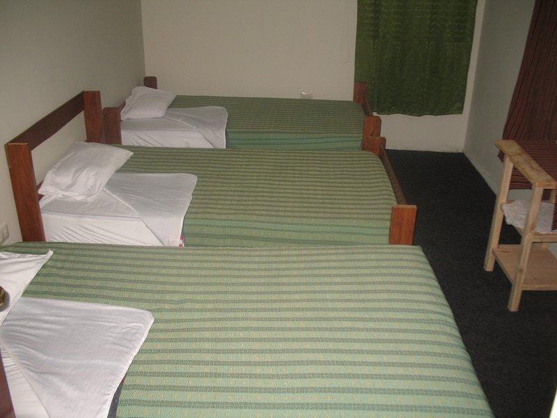 Tripple Bed room