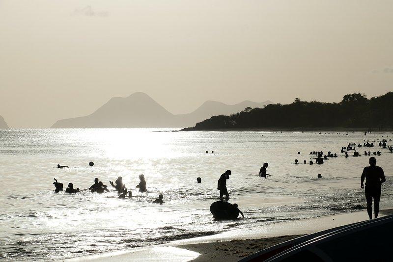 Visiter la Martinique- une plage au Sud