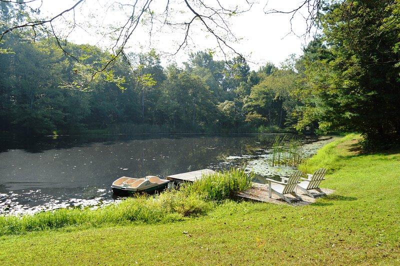 estanque está a pocos pasos de la cabina para la pesca y la natación