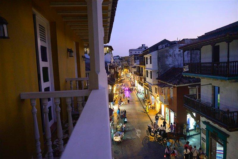 Delightful street  views from balcony!