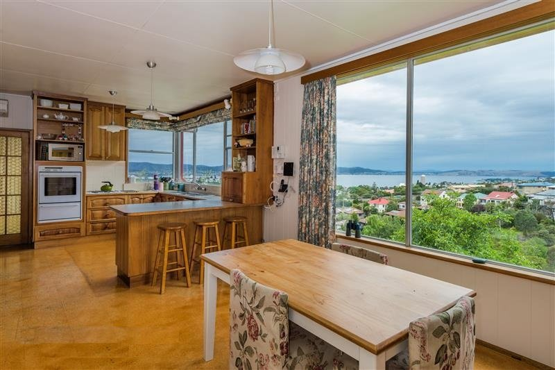Kitchen and lounge with a great view!
