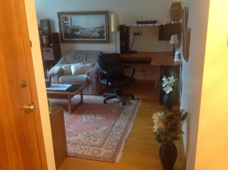 place de bureau dans le salon