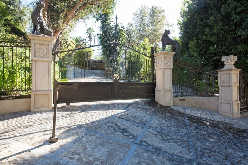 The Houdini Estate Hollywood Hills Mansion Has Wi Fi And Washer Updated 2021 Tripadvisor West Hollywood Vacation Rental