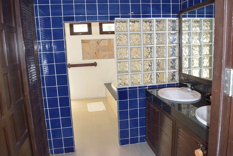 Banyan Villa 1 Master Bathroom