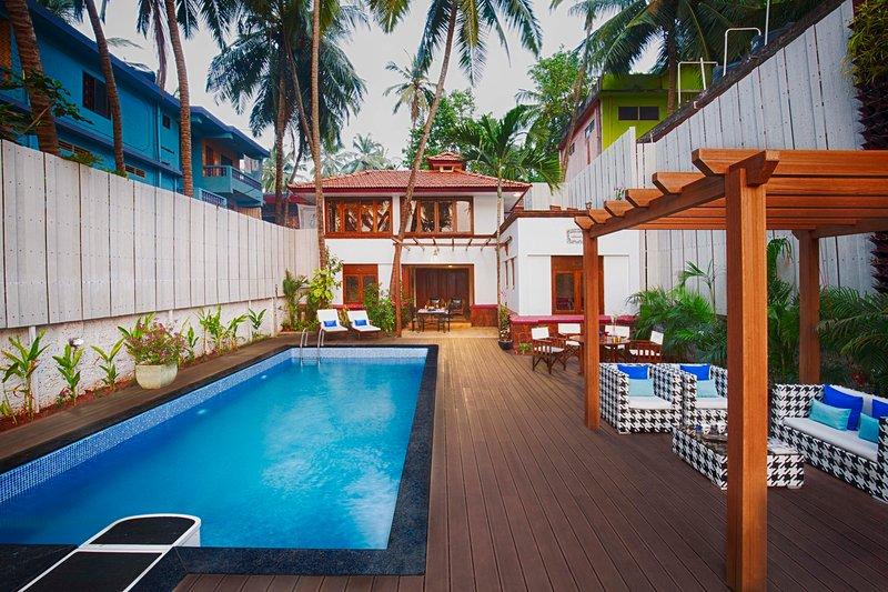 A melhor parte da villa ... área da piscina e deck. Área de descanso.