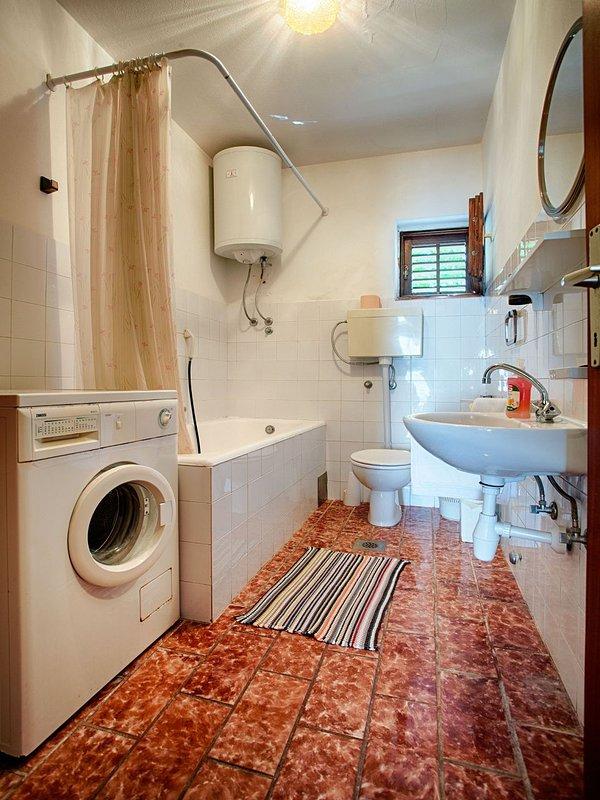 A1 (8): Bad mit WC