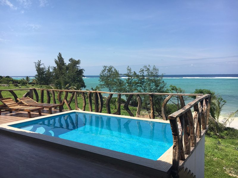 ZI BEACH COTTAGE - New beach cottage ideal for honeymooners or small families., Ferienwohnung in Sansibar