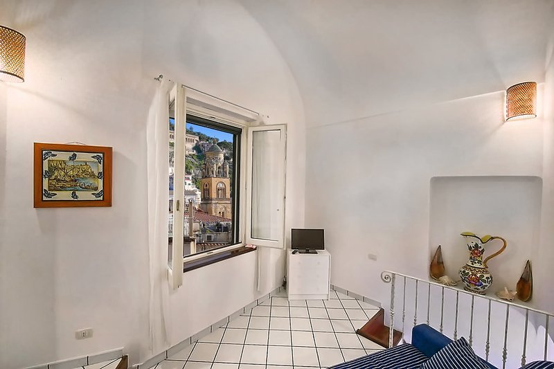 Lovely apartament with nice view in Amalfi, location de vacances à Amalfi
