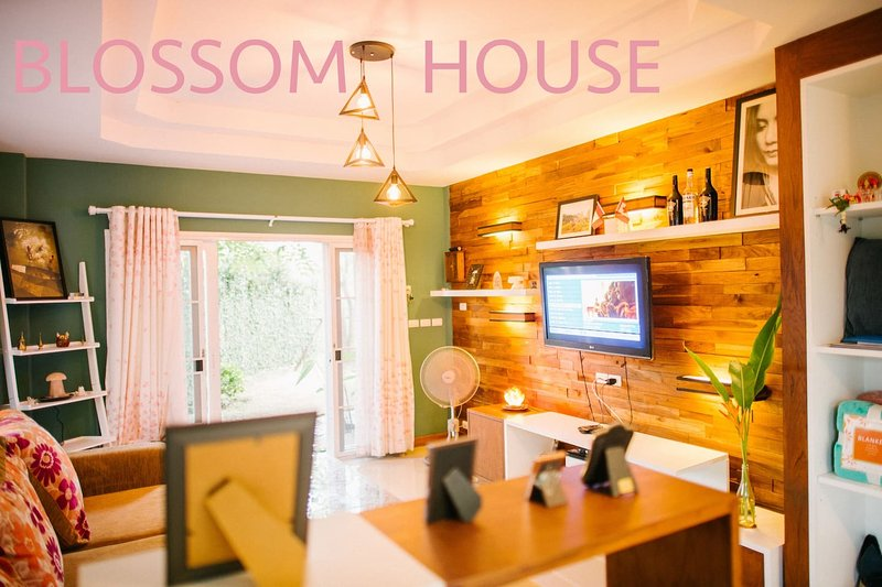 house villa rental  guesthouse travel chiangmai hangdong thailand blossomhouse, Ferienwohnung in Mae Win