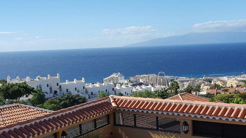 Enjoy breathtaking views to the sea and the neighbour island La Gomera