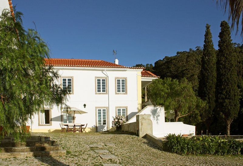 Eugaria Country House B&B Double Room Mountain View, vacation rental in Sintra