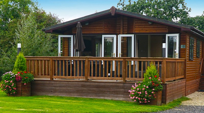 Superbly-appointed 2 Bedroom Luxury Lodge - perfect for Adult guests
