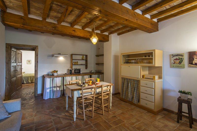 Casa Vacanze Le Fornaci - Appartamento Varisio, vacation rental in Pieve A Maiano