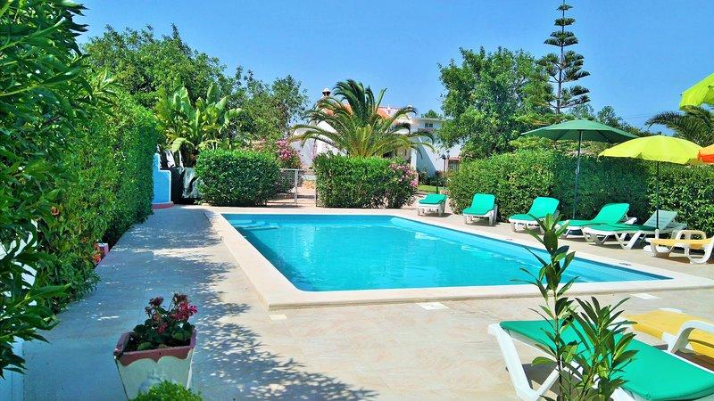 Quinta Casalinho maison typique 6 personnes dans propriété rurale avec piscine, holiday rental in Albufeira