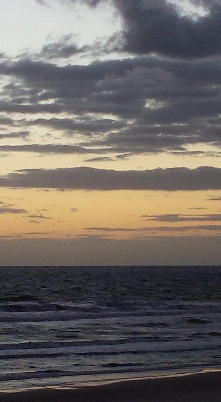 Acordar e ver o sol nascer a partir de sua varanda.