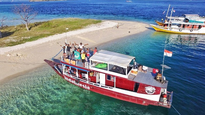 Your houseboat from bird eye's view at Kelor Island.