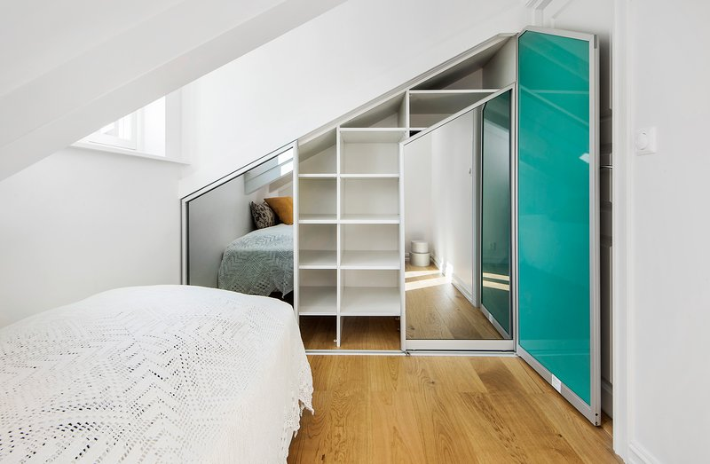 The wardrobe in the small bedroom
