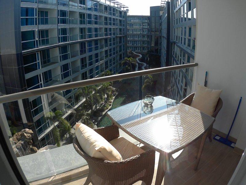 Centara Avenue - Luxury 1 Bedroom, holiday rental in Pattaya