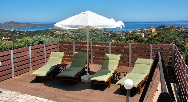 Stunning villa with private pool,amazing sea view,bbq,3Bedrooms, location de vacances à Stalos