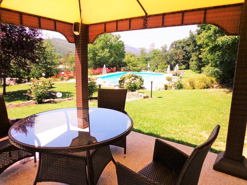 Der Pavillon am Pool, ein großer Platz mit einem guten Buch zu entspannen oder Musik zu hören.