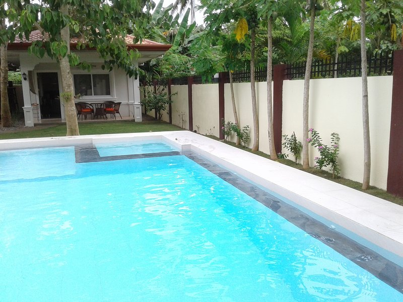 Alona Studio Bungalow  Your own pool and garden. Complete privacy. 2km Alona white sand beach.