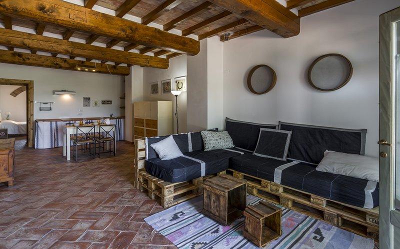 Casa Vacanze Le Fornaci - Appartamento Tito, vacation rental in Pieve A Maiano