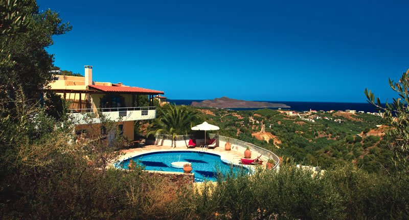 Big villla with private large pool & seaview, 4bedrooms ,bbq, location de vacances à Stalos