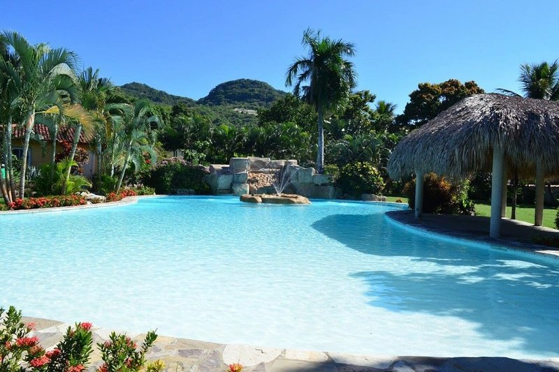 Dream villa with super pool, holiday rental in Ranchete