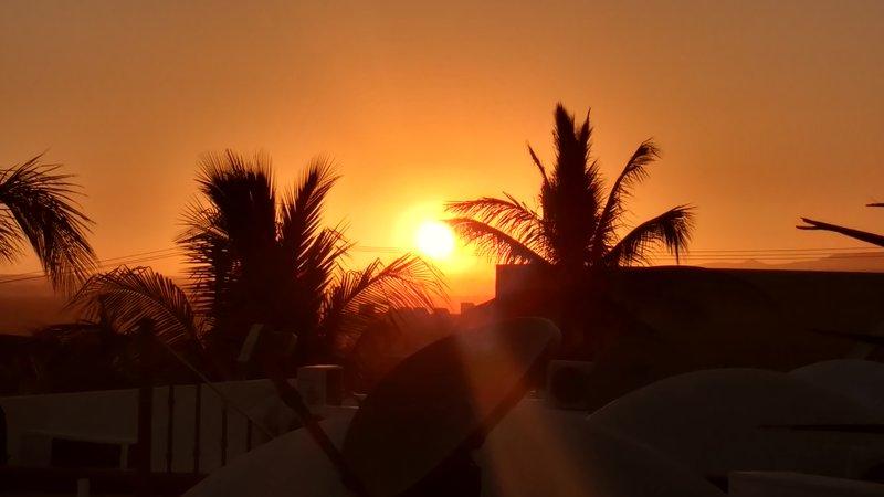 Coucher de soleil depuis notre terrasse sur le toit