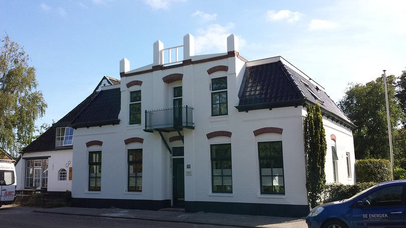 De Energiek, for a simple bed or a full organised stay. You are very welcome.