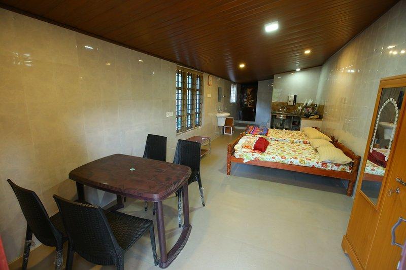 JS COTTAGE, holiday rental in Vattavada