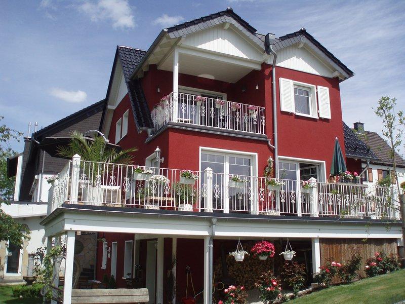 ***-Appartement Villa Silvi, vacation rental in Ruppichteroth